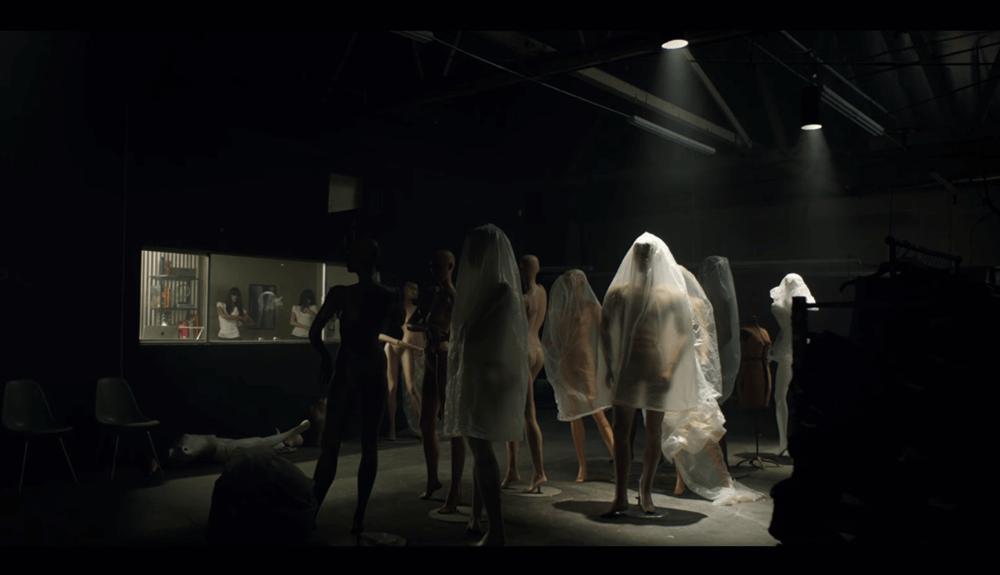 "Korku Severlere Ayın Filmi: ""Lights Out"""
