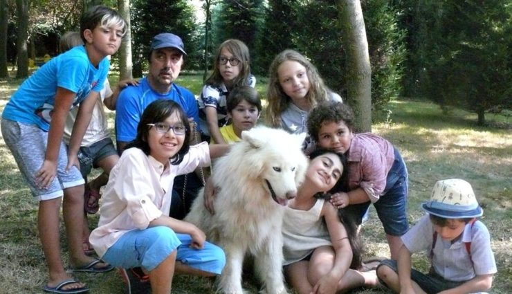 Talip Karamahmutoğlu'nun Yeni Filminde Başrolde Sokak Köpekleri ve Çocuklar Var