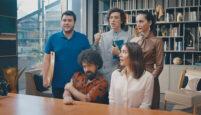 BluTV'nin Yeni Komedi Dizisi 'Acans'tan Tanıtım Yayınlandı